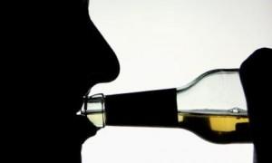 412966467-alkohol-flasche.9