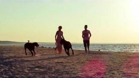 """Noskaties videoklipu Nikolaja Puzikova dziesmai """"Mana mīļā meitene"""""""