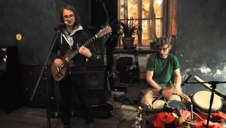 Reinis Jaunais un Artūrs Veinbergs publicē video un aicina uz albuma prezentāciju