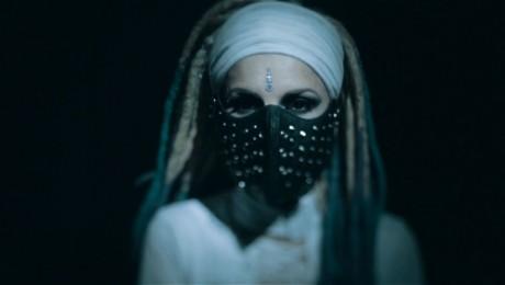 """Duets """"Karmafree"""" izdod jaunu mūzikas video """"Validate me"""""""