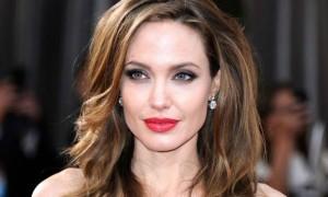 Angelina-Jolie-