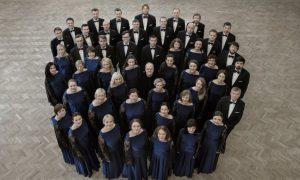 """Koris """"Latvija"""" atskaņos Latvijas simtgadei veltītas kora dziesmas"""