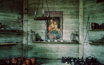 """Fotogrāfijas muzejā atklās Ivetas Vaivodes izstādi """"Zobens lilijas"""""""
