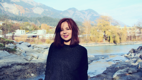 Austrijā dzīvojošā latviešu dziedātāja Baiba Dēķena izdod jaunu singlu