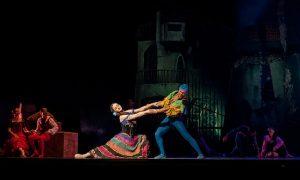 Vāc parakstus, lai atjaunotu Operetes teātra darbību Latvijā