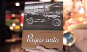"""Rīgas Motormuzejs izdod grāmatu """"Rīgas auto"""" par Latvijas automobiļu vēsturi"""