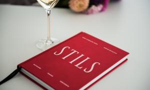 Klajā nākusi asprātīga un praktiska grāmata par stilu un modi