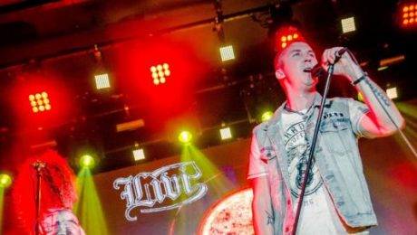 """Grupa """"Līvi"""" ar jaudīgu koncertu atzīmē albuma """"Pluss Mīnuss"""" izdošanu"""