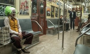"""ASV kinoteātros turpina dominēt trilleris """"Džokers"""""""