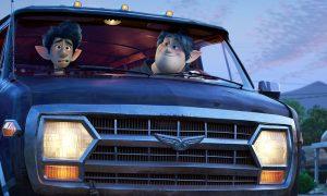 """ASV kinoteātros turpina dominēt animācijas filma """"Uz priekšu"""""""