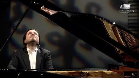 """Bez maksas skatāms Andreja Osokina solokoncerta ieraksts no """"Lielā dzintara"""""""