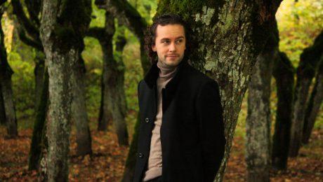 """Ainars Bumbieris izdod jaunu pavasara radio singlu """"Baltie ziedi"""""""
