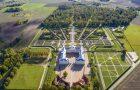 """Rundāles pils franču dārzs ieguvis """"Eiropas Dārza balvu"""" kategorijā """"Vēsturiska parka vai dārza pārvaldība vai attīstība"""""""